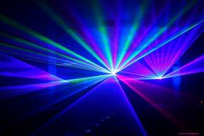 orgel-plus-laser-lichtshow-improvisationen-zu-laser-licht-licht-und-schatten-04e2814e-4942-4848-bfff-a86b3a9e8900