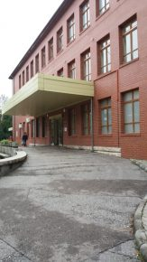Nőgyógyászati osztály bejárata Fehérváron